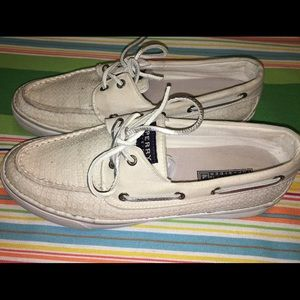 Off white Womans Sperrys. Size 8.5